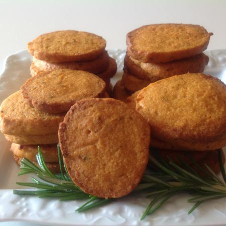 Biscuits tomates et romarin