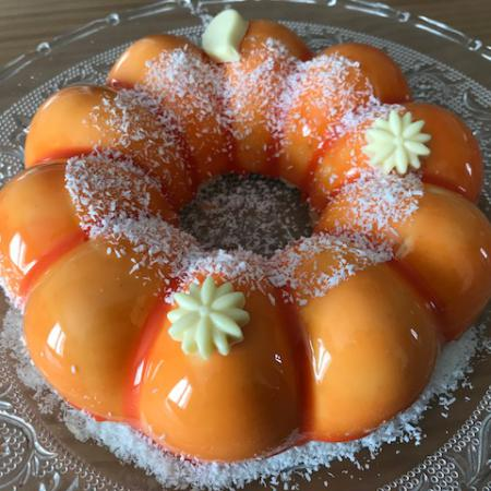 Entremets coco vanille passion