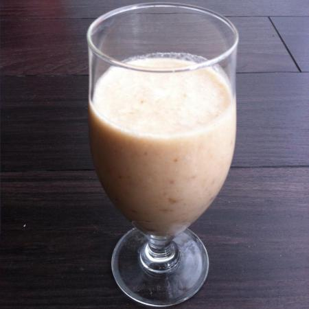 Smoothie banane dattes coco
