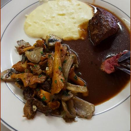 Filets De Chevreuil Sauce Poivrade Ou Grand Veneur Cooking Chef