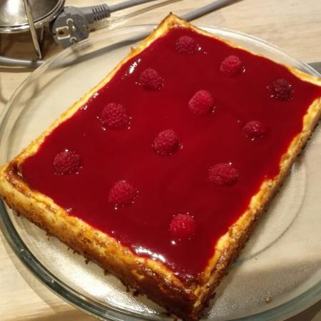 Cheesecake speculoos coulis de framboises